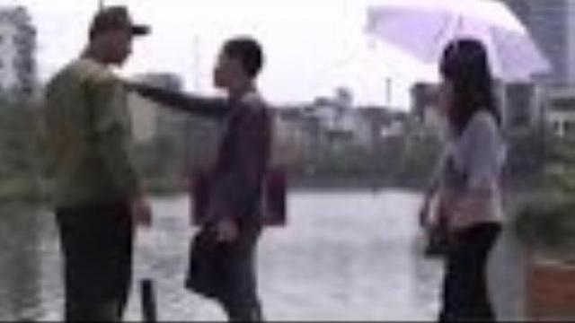Camera giấu kín: Kẻ câu trộm cá chơi khăm người tốt bụng