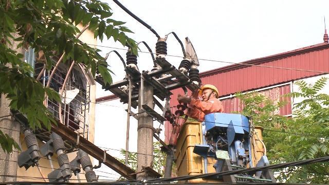 Tin Tức 24h Mới Nhất: Bảo đảm an toàn điện trong mùa mưa bão