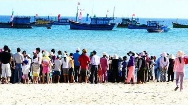 7 nữ sinh Quảng Ngãi tắm biển đuối nước