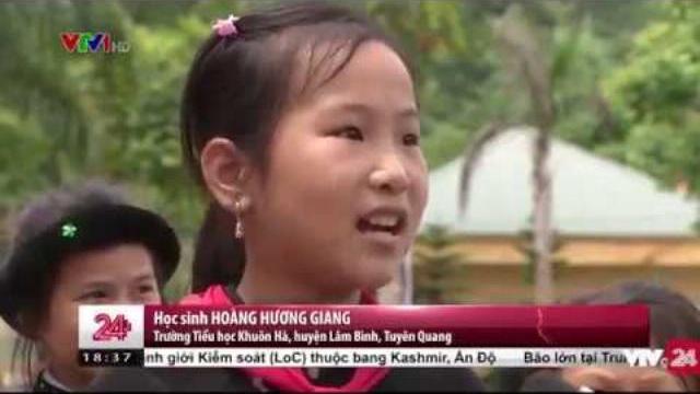 Trang phục dân tộc truyền thống thay đồng phục, tại sao không? | VTV24
