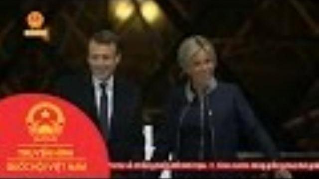 Thời sự - Pháp: Tổng Thống Đắc Cử Macron Từ Chức Chủ Tịch Phong Trào Tiến Bước