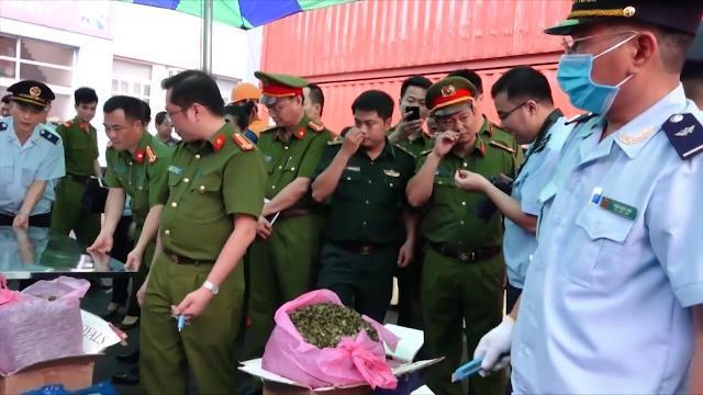 Tin Tức 24h: Phát hiện 3,6 tấn lá khát nhập vào cảng Hải Phòng