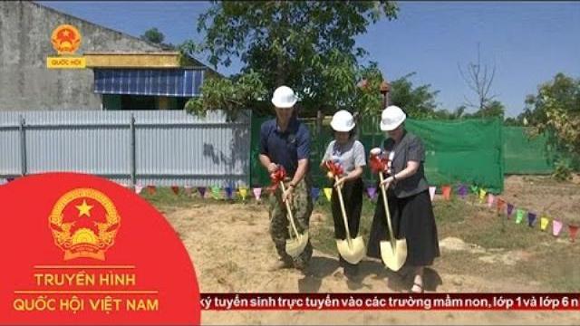 Hỗ trợ xây dựng nhà và phòng học cho xã Hòa Liên|Thời sự|Truyền hình Quốc hội Việt Nam|