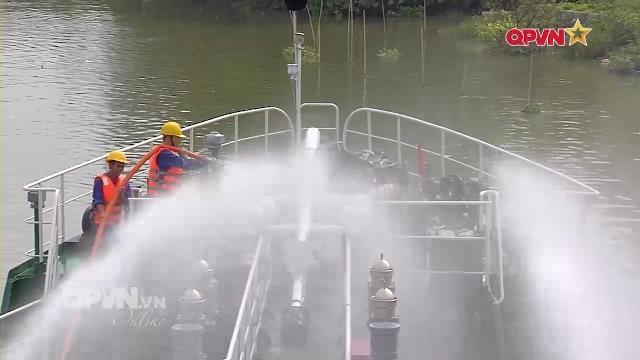 Chống cháy nổ trên tàu vận tải Lữ đoàn 972