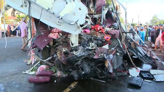 Tin Tức 24h Mới Nhất: Khởi tố vụ án vụ TNGT thảm khốc tại Gia Lai