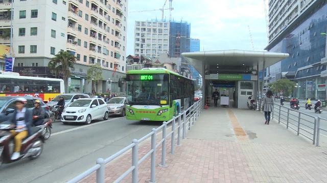 Nợ công Việt Nam, nhìn từ câu chuyện đầu tư dự án xe buýt nhanh BRT Hà Nội