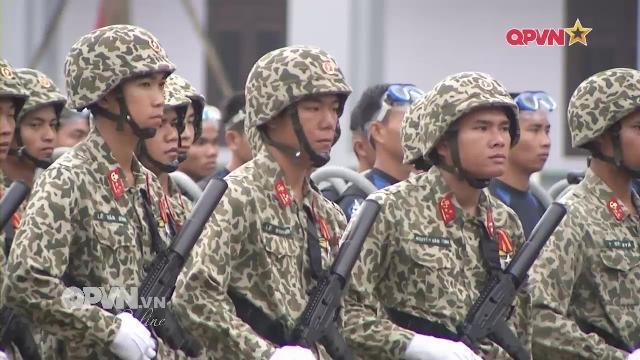 Đặc công Việt Nam phô diễn sức mạnh 50 năm thành lập