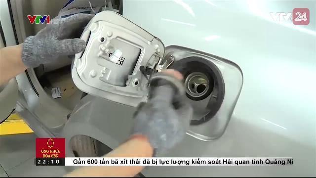 Hệ lụy đối với phương tiện dùng xăng lẫn tạp chất | VTV24