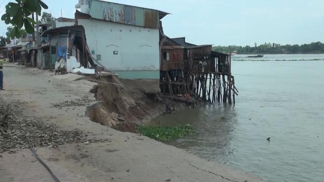 An Giang theo dõi và cảnh báo kịp thời tình hình sạt lở bờ sông