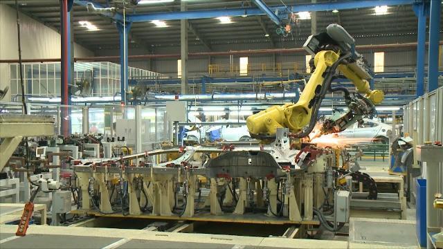 Tin Tức 24h: Công nghiệp ô tô của Việt Nam vẫn còn nhiều khó khăn