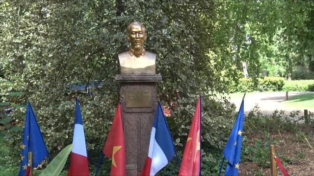 Tin Tức 24h Mới Nhất: Kỷ niệm Ngày sinh của Bác Hồ tại Pháp