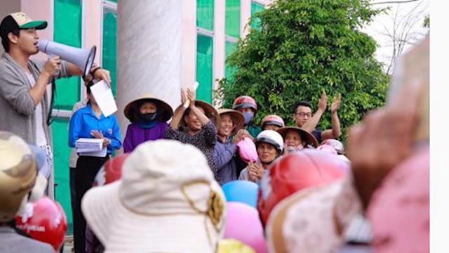 Phóng Sự Việt Nam mới nhất 2017: Từ thiện không chỉ là tiền, quà...