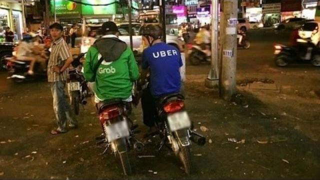 """Túi tiền người tiêu ra sao sau """"đại chiến"""" Uber, Grab? - Alo 389 (Số 9/2017)"""