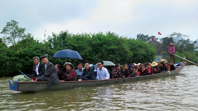 Tin Tức 24h: Sẽ xử lý đò chở khách quá tải ở chùa Hương