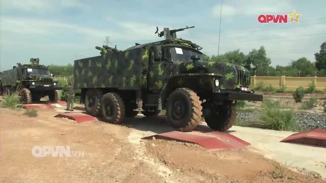 Thời sự Quốc phòng Việt Nam ngày 14/4/2017: Việt Nam bẳn thử pháo tự hành 105mm thế hệ M3