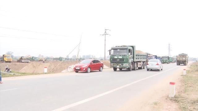 Cần tiếp tục xử lý nghiêm tình trạng xe chở cát quá tải ở tỉnh Hưng Yên