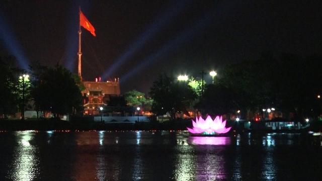Lung linh sắc màu Tuần lễ Phật đản tại Huế