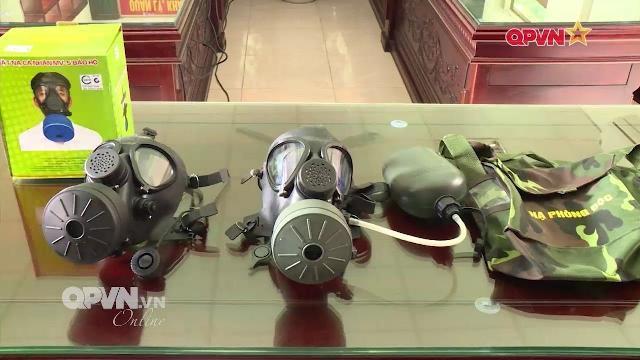 Quân đội Việt Nam sản xuất mặt nạ phòng độc, bình tái sinh oxy cho lính tàu ngầm