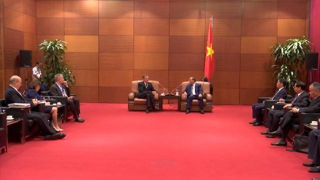 Thủ tướng Nguyễn Xuân Phúc tiếp Đại diện Thương mại Hoa Kỳ