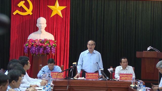 Đồng chí Nguyễn Thiện Nhân làm việc với UBND TP Hà Nội về giám sát khai thác cát sỏi trên địa bàn HN