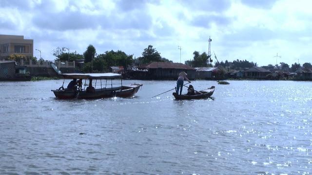 Phóng sự Miền Tây Sông Nước: Xuôi dòng ngã ba sông Châu Đốc