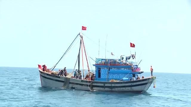 Quảng Bình kiểm soát tình trạng khai thác hải sản gần bờ