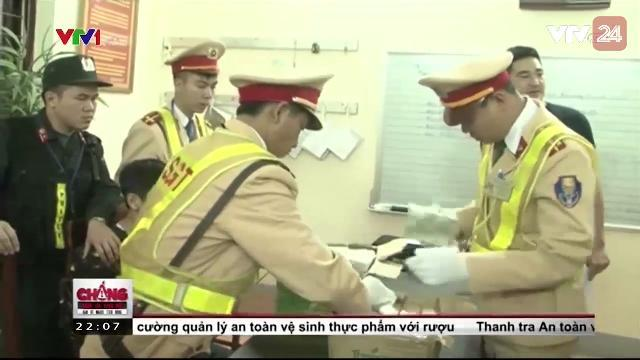 Lạng Sơn: Bắt đối tượng vận chuyển 73 bánh Heroin | VTV24