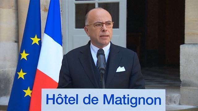 Thủ tướng Pháp chỉ trích phản ứng của các ứng cử viên Tổng thống về vụ khủng bố Paris