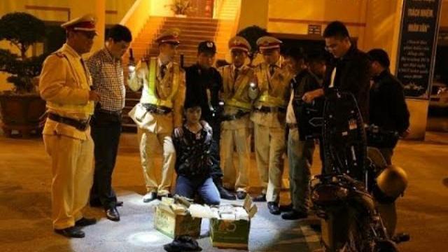 CSGT Lạng Sơn bắt 73 bánh heroin