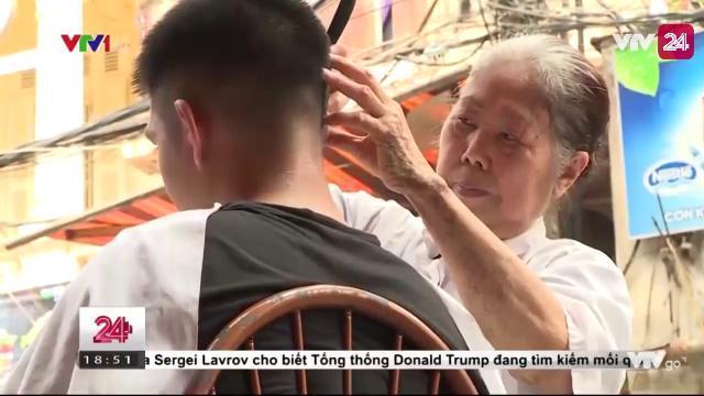 Gặp gỡ nữ thợ cắt tóc 80 tuổi với 60 năm tuổi nghề | VTV24