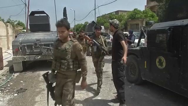 Tin Quốc Tế: IS tấn công căn cứ cố vấn quân sự ở Iraq, 7 người chết