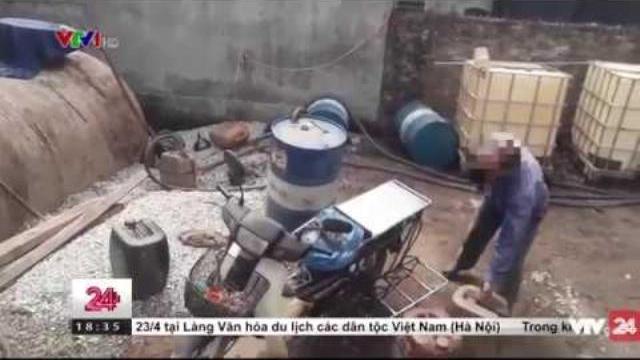 Thủ đoạn rút ruột xăng dầu mới | VTV24
