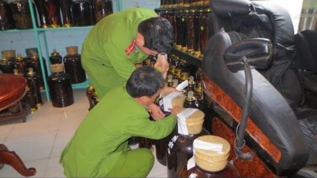 Rượu lậu ở Hà Nội, bắt như muối bỏ bể