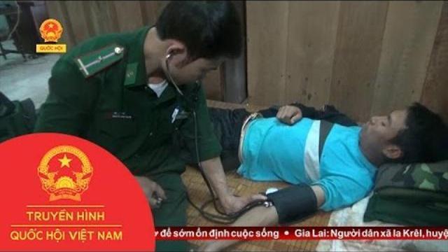 Thời sự - Quảng Bình: Bộ đội biên phòng cứu ngư dân bị bệnh nặng trên biển