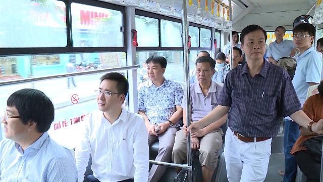 Đề xuất các phương tiện được đi vào làn buýt nhanh theo khung giờ