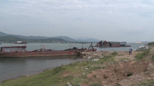 Hòa Bình cần xử lý nghiêm các vi phạm trong khai thác cát, sỏi trên vùng hạ lưu sông Đà