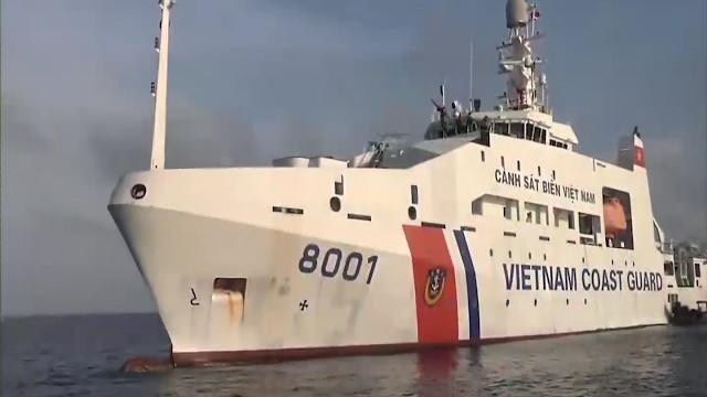 Cảnh sát biển Vùng 3 cùng ngư dân bảo vệ chủ quyền biển đảo