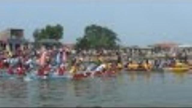Thừa Thiên - Huế tổ chức ra quân đội tàu đánh bắt xa bờ và đua ghe truyền thống