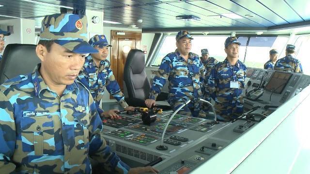 Tàu Cảnh sát biển 8004 lên đường sang thăm giao lưu Cảnh sát biển Trung Quốc