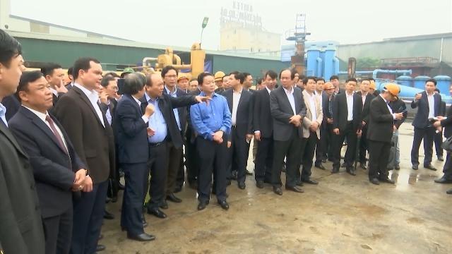 Thủ tướng Nguyễn Xuân Phúc thăm mô hình công nghệ điện rác WTE do Việt Nam sáng tạo