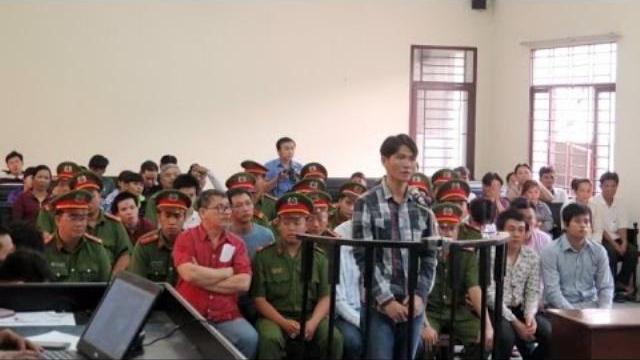 Xử nhóm đàn em Năm Cam huyết chiến trong bệnh viện