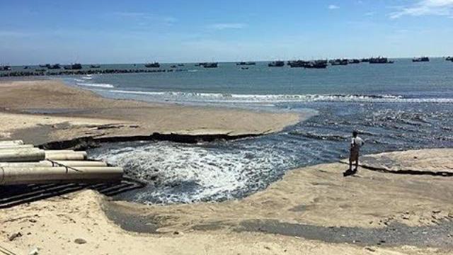 Thực hư clip nước thải đen ngòm xả thẳng ra biển Bình Thuận