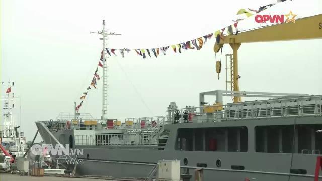 Bàn giao tàu tiếp dầu hiện đại cho Hải quân Việt Nam