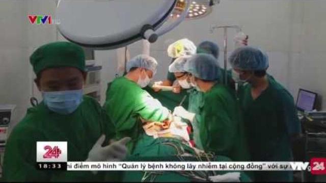 Cứu sống thành công bệnh nhân bị vỡ tim hi hữu | VTV24