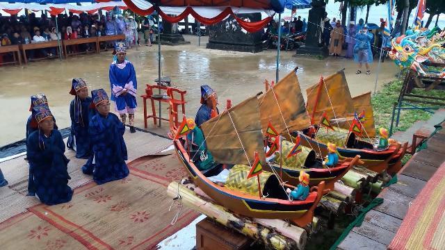 Tin Tức 24h Mới Nhất Hôm Nay: Lễ Khao lề thế lính Hoàng Sa ở Lý Sơn