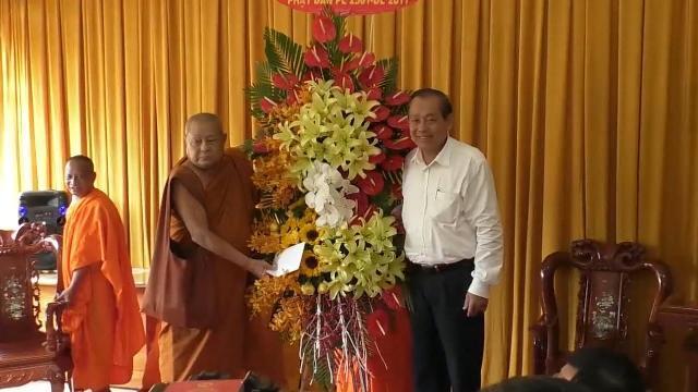 Phó Thủ tướng Trương Hòa Bình thăm và làm việc với Học viện Phật giáo Nam tông Khơ Me, TP. Cần Thơ