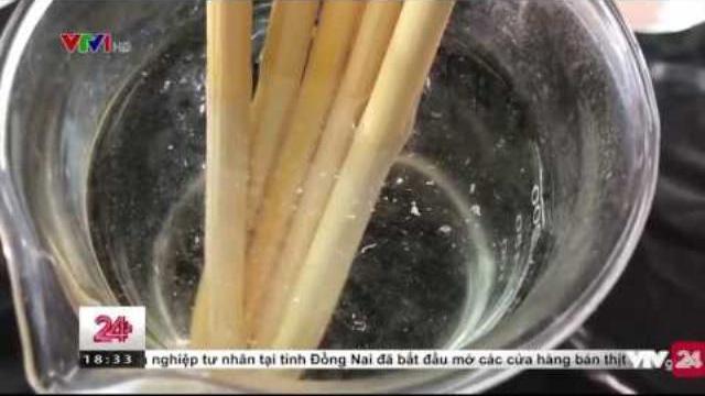 Đũa dùng một lần giờ lại phải ngâm nước nóng để sử dụng? | VTV24