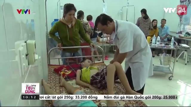40 học sinh Nghệ An ngộ độc quả ngô đồng | VTV24