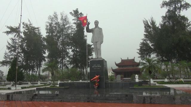 Đến thăm huyện đảo Cô Tô, nơi duy nhất được dựng tượng Bác Hồ khi Người còn sống