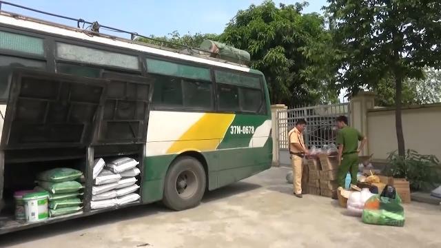 Nghệ An gia tăng các vụ vận chuyển thực phẩm bẩn bằng xe khách